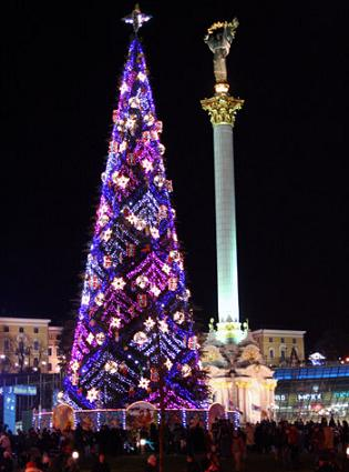 Kyiv independence sq 2007 tree