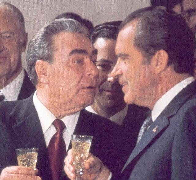 General Secretary Brezhnev to the left, President Nixon on the right.