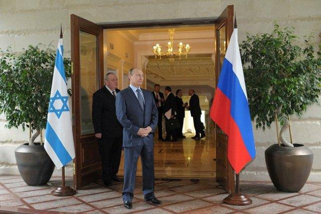Mr. Putin prepares to greet Mr. Netanyahu in Sochi.