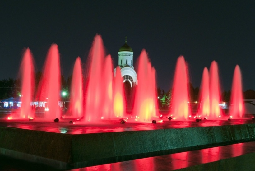 At Moscow's Victory Park on Poklonnaya Hill there are 1,418 fountains - one for every day of the war.