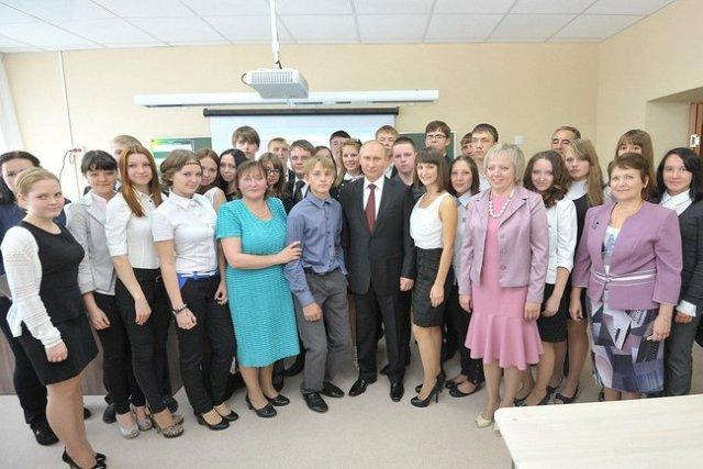 President Putin with teachers at School #7 in Kurgan.