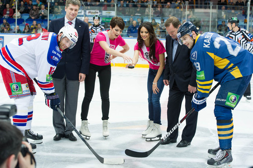 Miss Universe ladies at a hockey game in Moscow.
