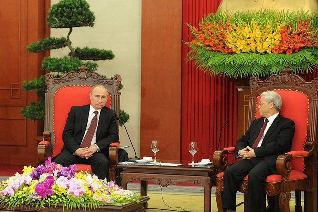 Mr. Putin also met with the General Secretary of the Communist Party of Vietnam, Nguyen Phu Trong. height=331