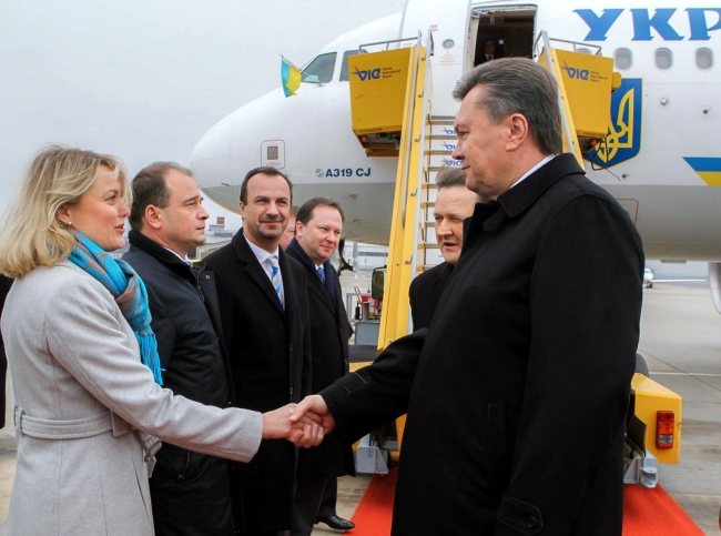 Ukrainian President Viktor Yanukovich arrived in Austria Thursday. height=369