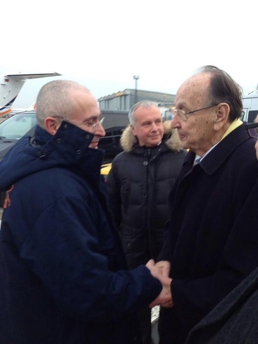 Mikhail Khodorkovsky in Berlin with former German Foreign Minister Hans-Dietrich Genscher. (photo: drugoi/livejournal.)