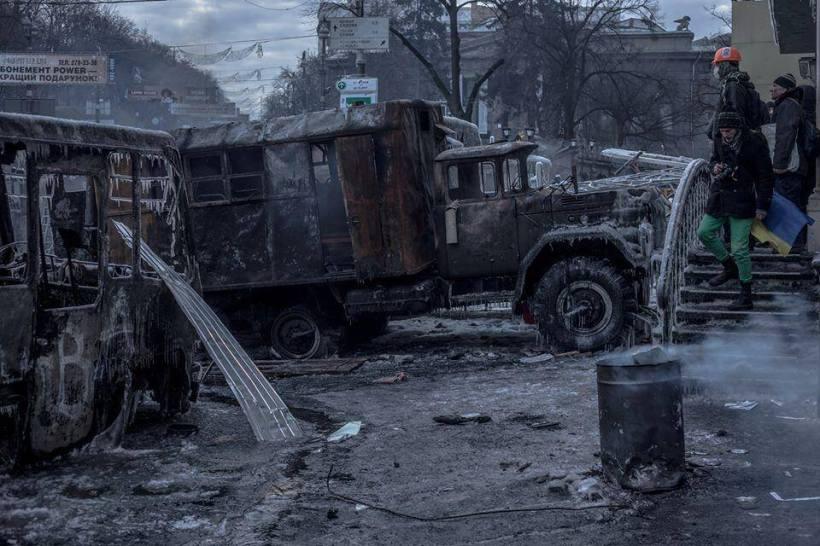2014 protests Kyiv burns c