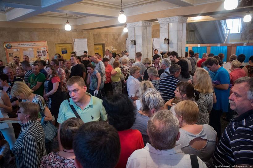 (Voters in Ukraine. Photo: Ilya Varlamov)