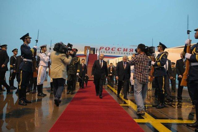 President Putin's arrival in Shanghai.