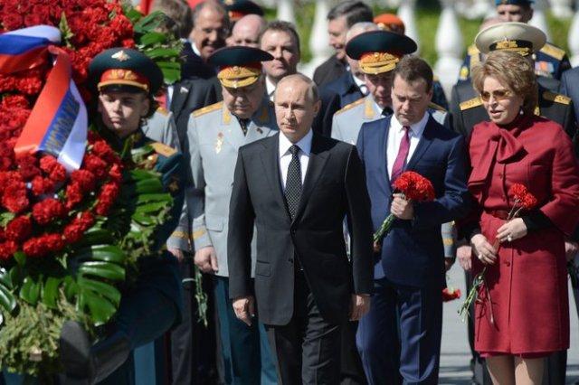 Putin Victory tomb unkoown 2014 a
