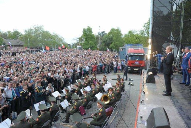 Victory Day Crimea Putin g