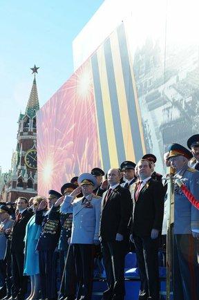 victory parade 2014 putin medvedev