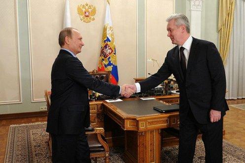 President Putin greets Moscow mayor Sergei Sobyanin. Novo-Ogaryovo, 02 Mar 2015.