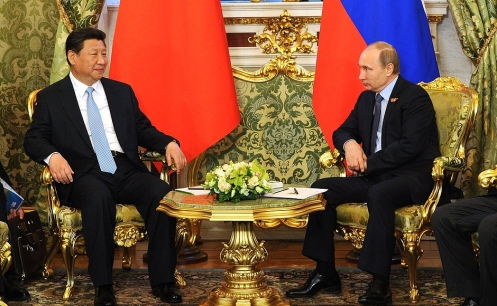 Chinese President Xi Jinping with Russian President Vladimir Putin, Moscow, 8 May 2015.