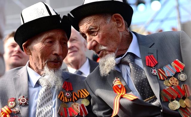 Victory parade 2015 Asian vets