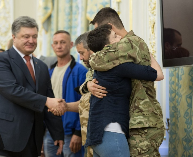 Savchenko freed meets Pres b