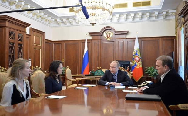 Savchenko Putin with widows